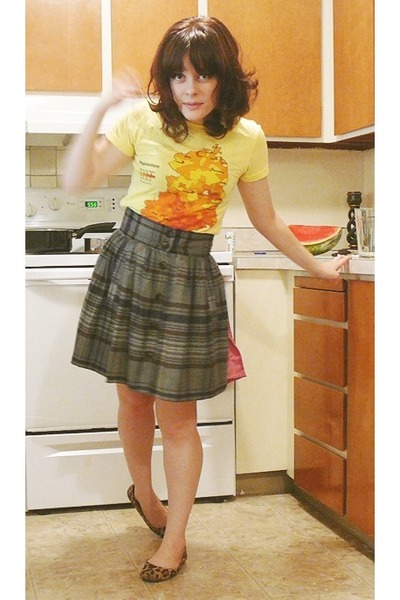 gray French Connection skirt - yellow modcloth t-shirt - brown Target shoes