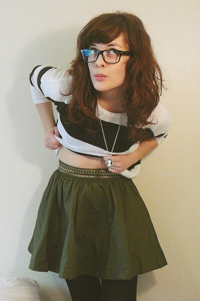 black striped cropped H&M sweater - olive green H&M skirt