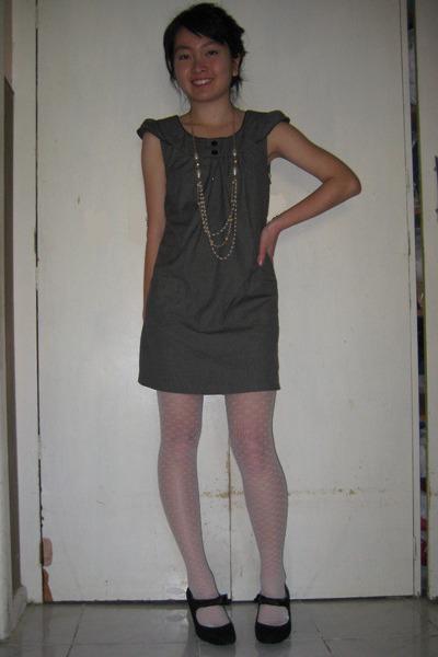 dress - stockings - naturalizer shoes