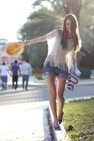 H&M top - H&M hat - no brand bag - calvin klein shorts - no brand flats