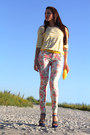 Salmon-new-yorker-jeans-violet-carvela-shoes-yellow-fiorelli-bag