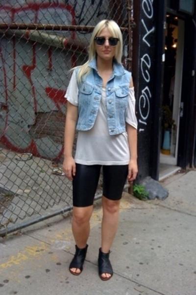 sosume t-shirt - vintage vest - forever 21 shorts - Dolce Vita shoes