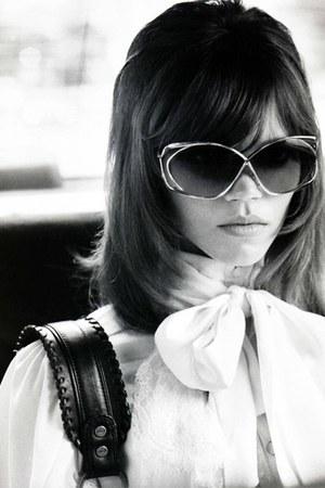 hair Vogue Magazine Nippon accessories