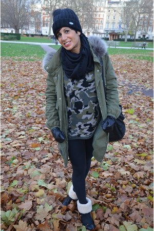 Ugg boots - VLevel coat - Zara sweater - Calzedonia leggings