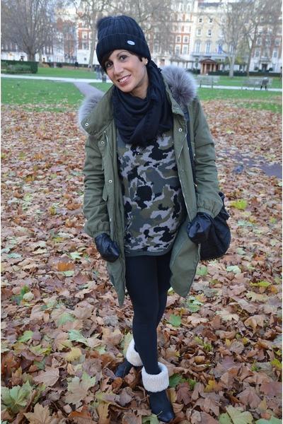 Ugg boots - VLevel coat - Zara sweater - Calzedonia leggings