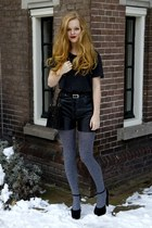 Primark tights - vintage bag - vintage shorts - new look heels - vintage belt -