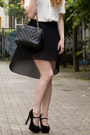 Black-zara-skirt-black-chanel-bag-white-h-m-trend-blouse