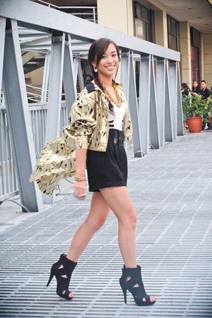 gold 80s gold blazer Archive Clothing blazer - black heels Forever 21 shoes