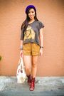 Gray-streetbeatboutique-top-brown-random-brand-shorts-red-bought-online-shoe