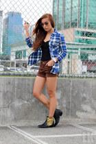 brown Wrangler shorts