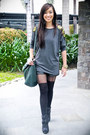 Dark-gray-zarina-agduma-top-black-forever-21-shorts-black-topshop-tights-b