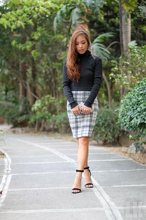 gray Forever 21 skirt