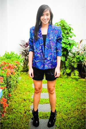 jacket - Mango top - Zara shorts - Rockwell Bazaar shoes