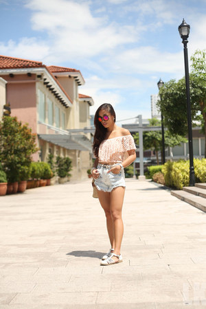 light pink Forever 21 top