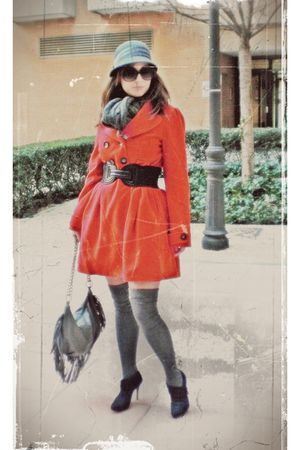 red unknown coat - gray tights - black Zara boots
