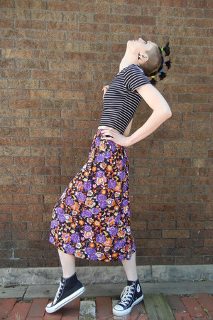 vintage skirt - American Apparel top - Converse sneakers
