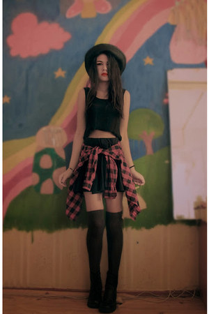 plaid Zara shirt - straw made in chola hat - thigh high Stradivarius socks