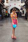 Blue-fashion-addict-bag-hot-pink-neoprene-pencil-topshop-skirt
