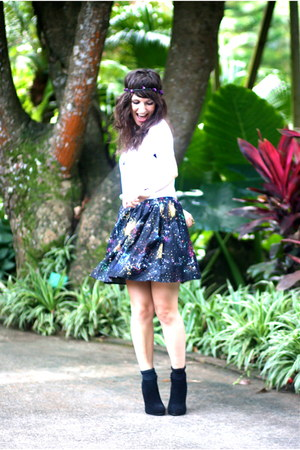 navy romwe skirt - white Ysterike t-shirt