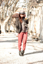 ruby red Loft pants - army green sessun top