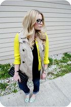 yellow shirt - sky blue kate spade flats - beige vest