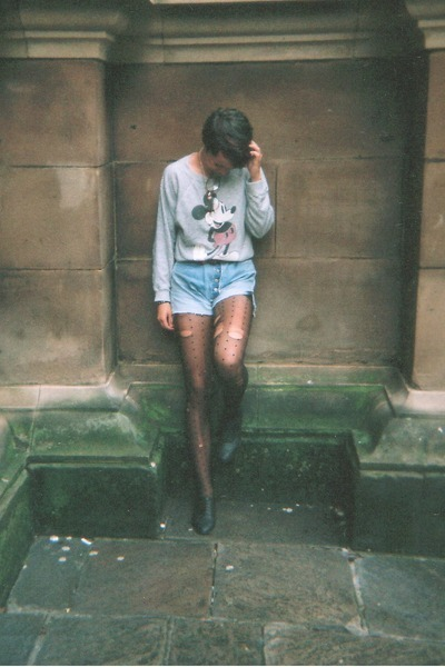 black distressed stockings - heather gray sweater - periwinkle shorts