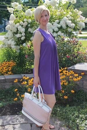 purple shift calvin klein dress - woven second hand bag