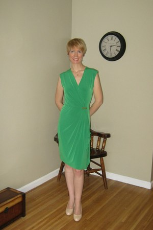 nude franco sarto heels - green wrap Michael Kors dress
