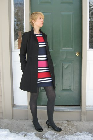 striped French Connection dress - black J Crew coat