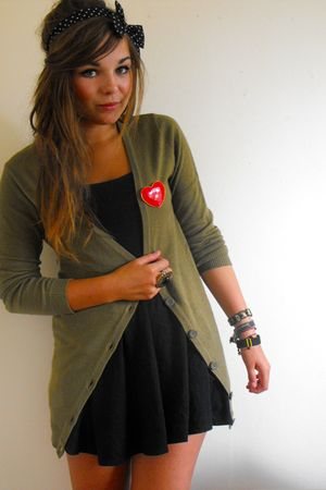 black Topshop dress - green H&amp;M cardigan - red Primark accessories - black Prima