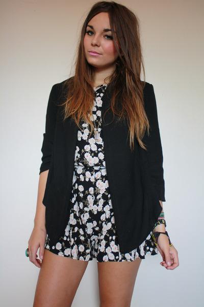black Topshop blazer - gray Primark shorts - gold Zara Taylor accessories
