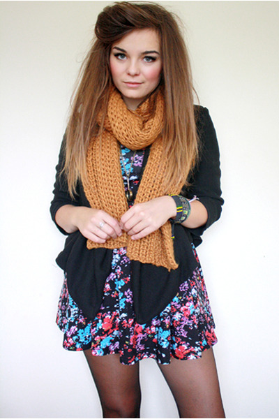 yellow Zara scarf - black Motel Rocks dress - black Topshop blazer - gold Zara T