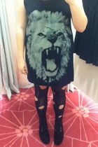 lion Glassons shirt - creepers Underground shoes - holey thrifted tights