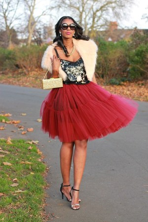 maroon tulle asos skirt - neutral faux fur stole Topshop scarf