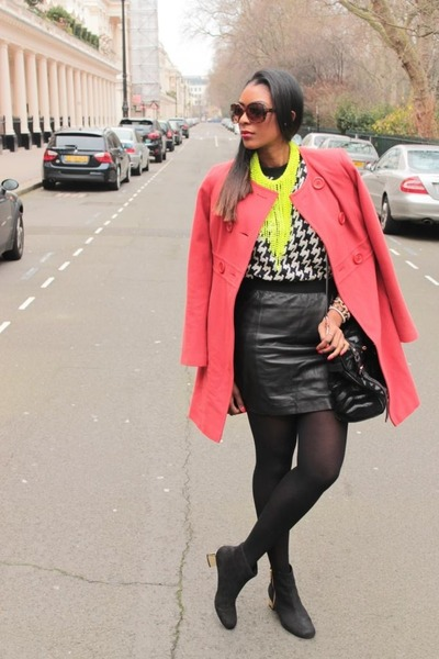 yellow neon H&M necklace - ankle gold heel Topshop boots