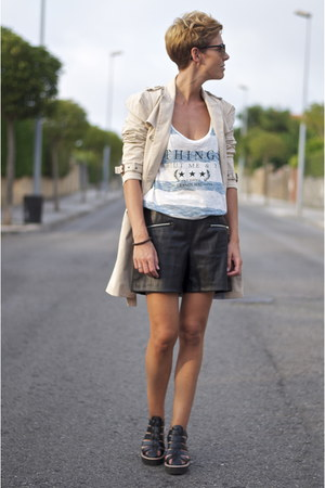 beige Zara jacket - black leather shorts Zara shorts
