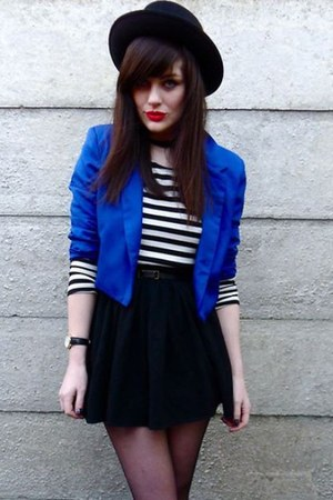 blue blazer - black hat - shirt - black skirt