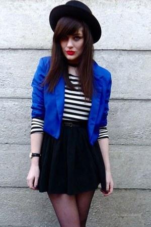 blue blazer - black hat - shirt - black skirt