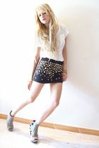 black D&G skirt - white pull&bear t-shirt