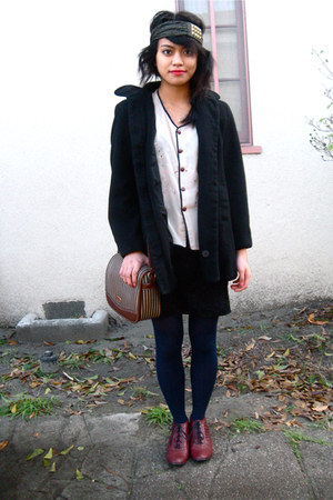 vintage coat - vintage blouse - Vintage bag accessories - bdg booties shoes - UO