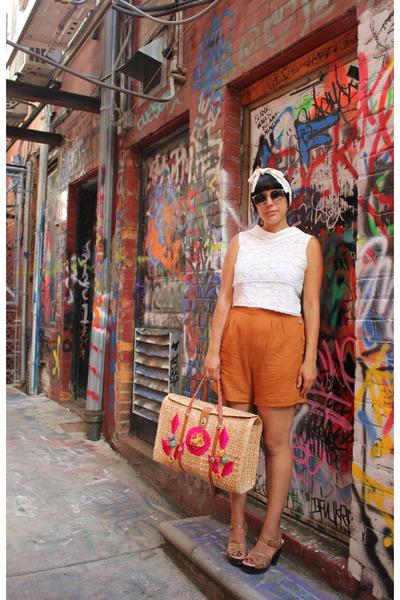 mustard Urban Outfitters shorts - white vintage shirt - camel vintage bag
