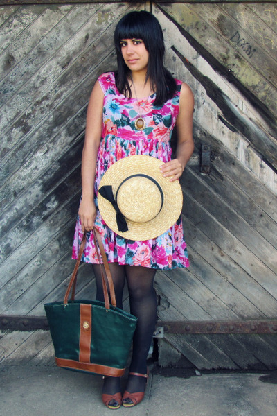 bubble gum atlas dress - beige vintage hat - green thrifted bag - brown vintage