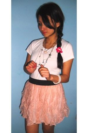 frills havoc skirt - pearls Forever New bracelet