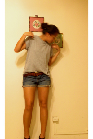 Hanes t-shirt - Ralph Lauren belt - Forever21 shorts