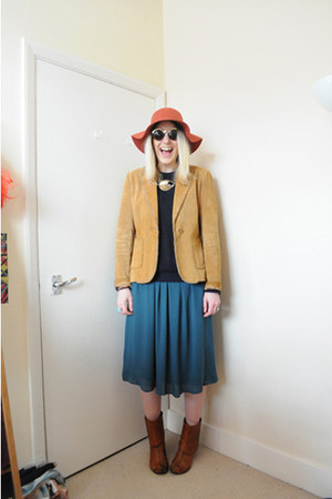 mustard suede vintage jacket - tawny vintage boots