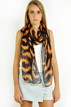 Lovemartini Scarves