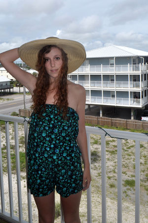 green Red Camel top - yellow Charlotte Russe hat