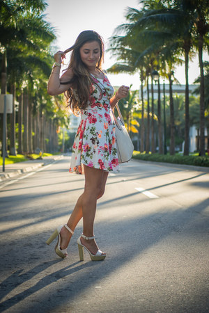 midi Love Shopping Miami ring - floral dress Love Shopping Miami dress