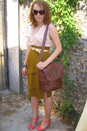 brown thrifted leather bag - red kitten heel sandals - olive green thrifted skir