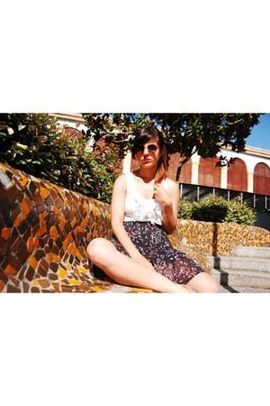 H&M skirt - Chie Mihara sandals - H&M top - Vans glasses